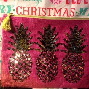 Gold sequin pineapple mud pie make up bag 💼 nice